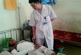 Trèo cột điện 500 KV bắt chim, 2 học sinh bỏng nặng