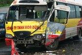 Xe buýt lấn đường, 2 tài xế bị thương nặng