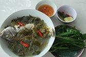 Về Sa Huỳnh ăn canh cá căn nấu với lá giang