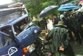 Bị xe ben tông, tài xế xe tải nguy kịch trong ca bin