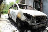 Ô tô Innova bị cháy rụi