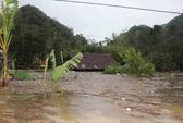 Nước lũ nhấn chìm nhà cửa, dân Quảng Bình trắng tay