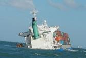 2 tàu nước ngoài đâm nhau, nhiều container trôi trên biển