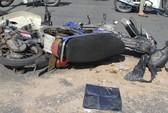 3 xe máy tông nhau, 1 người chết, 2 bị thương
