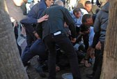 Kẻ nổ súng tại LHP Cannes lãnh án 18 tháng tù