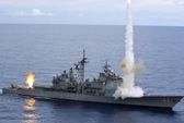 Tàu chiến Mỹ - Trung suýt va chạm trên biển Đông