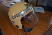 Chở 3 không đội mũ bảo hiểm còn tấn công CSGT