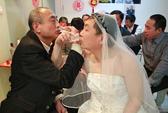 Hôn nhân đồng tính: Xã hội vẫn... e dè