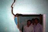 17 ngôi nhà hư hỏng do động đất