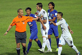 Vòng Eximbank V-League 2013: Bạo lực lấn chuyên môn