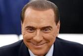 """Ông Berlusconi """"tổ chức mại dâm"""" tại nhà riêng"""