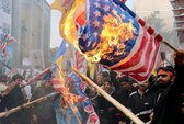Hàng chục ngàn người Iran biểu tình chống Mỹ