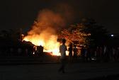 Cháy khu vực ga Biên Hòa, 2 nhà bị thiêu rụi
