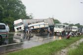 Xe tải đối đầu xe container, một người thiệt mạng