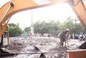 Nạo vét cống, 1 công nhân bị hàng tấn bùn chôn vùi