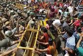 Người biểu tình Ấn Độ xông vào nhà lãnh đạo đòi công lý