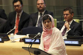 Taliban tiếp tục dọa giết nữ sinh Malala Yousafzai