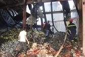 Cháy kho thiêu rụi xe tải và nhiều tấn hàng