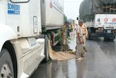 Bị xe bồn lấn trái tông, 2 thanh niên tử nạn