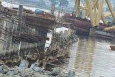 """Vụ sập cầu cảng ở Đà Nẵng: 32 tỉ đồng """"rơi"""" xuống biển"""