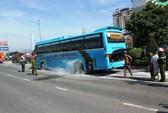 Xe khách đi Campuchia bốc cháy