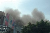 Nhà 3 tầng bốc cháy