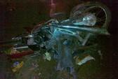 Ô tô tông nát vụn 2 xe máy, 2 người chết