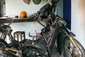 Liên tiếp xe máy bốc cháy tại nhà