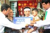 Tặng 200 triệu cho con trai tài xế taxi Mai Linh bị giết