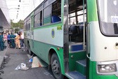 Ngã vào xe buýt, giảng viên người Nhật thiệt mạng