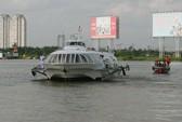TP HCM: Tàu cánh ngầm chết máy, đâm cọc tiêu