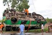 Xe ca đâm xe tải, 1 người chết, 10 người bị thương