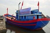 Trao tàu cá 5 tỉ cho ngư dân Lý Sơn