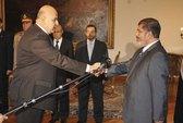 """Phó Tổng thống Ai Cập từ chức lúc """"dầu sôi lửa bỏng"""""""