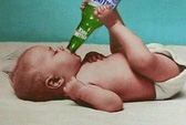 """Bé sơ sinh nhập viện vì """"xỉn rượu"""""""