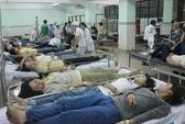 Hàng trăm công nhân nhập viện vì ngộ độc