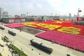 Triều Tiên duyệt binh rầm rộ khoe tên lửa, máy bay