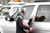 Người Syria tuyệt vọng ăn xin trên đường phố Yemen
