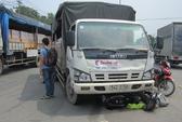 Xe tải va quệt xe máy, một sinh viên nguy kịch
