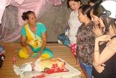 Giải cứu bé sơ sinh bị chôn sống