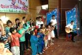 Đông đảo nghệ sĩ vui hè với thiếu nhi nghèo TP HCM