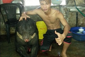"""Tàn nhẫn """"khoe"""" ảnh giết gấu trên Facebook"""