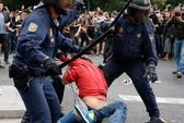 Tây Ban Nha: Biểu tình thành bạo động