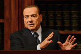 Lo ngại ông Berlusconi trở lại