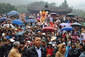 Khai hội chùa Hương: Du khách nghẹt thở