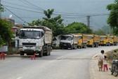 Xe gây ô nhiễm bị dân chặn đường