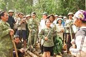 Hàng ngàn người dân phá rừng, chiếm đất
