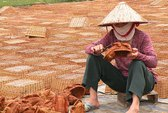 Làng nghề hấp hối: Mò mẫm trên đường hội nhập