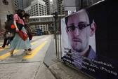 """""""Đột nhập"""" chuyến bay của Snowden"""