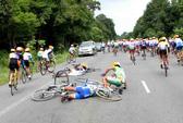 Hơn 10 tay đua gặp tai nạn